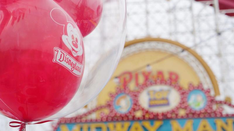 Disneyland-Balloon-Pixar-Pier