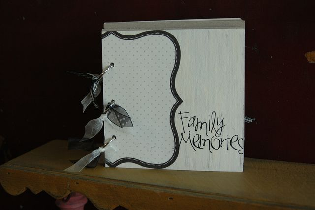 Family memories mini book