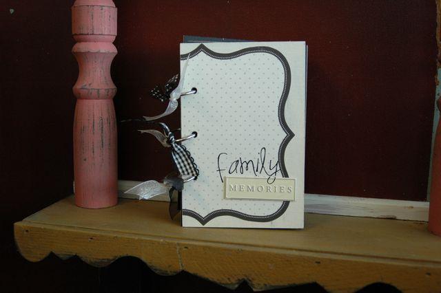 Familymemories mini book