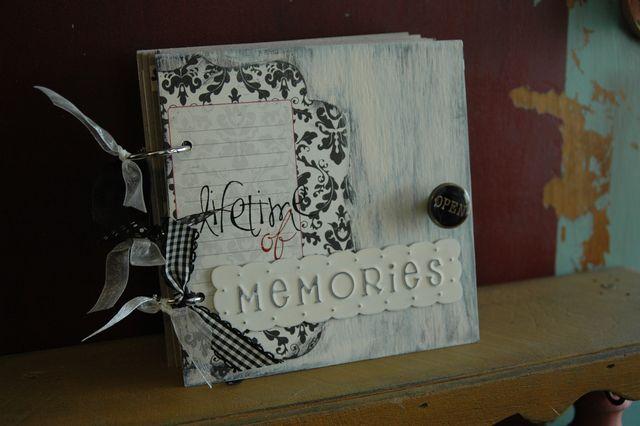 Lifetime of memories mini book