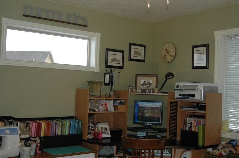 My_scrapbooking_room_018