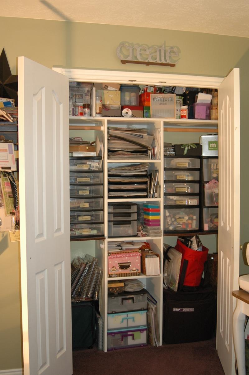 My_scrapbooking_room_043_2